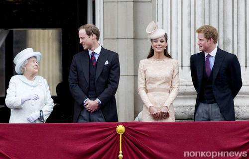 Елизавета II, принц Уильям, Кейт Миддлтон и принц Гарри