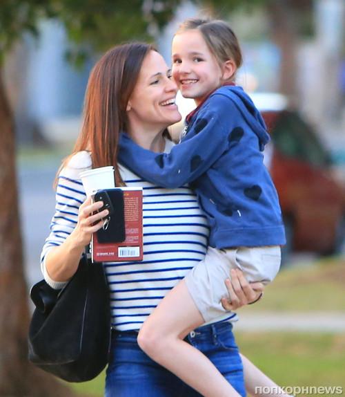 Дженнифер Гарнер с дочерью Серафиной