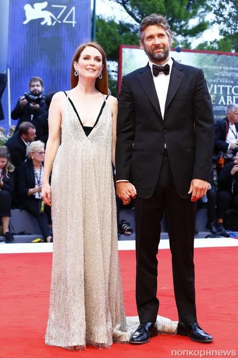 Джулианна Мур с супругом