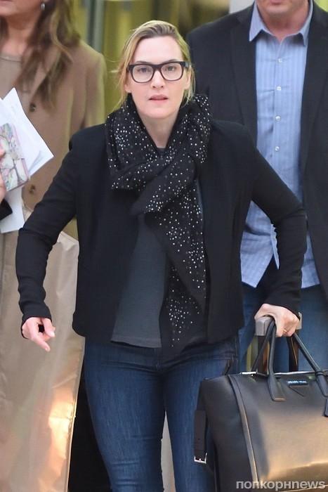 Кейт Уинслет в очках в аэропорту Нью-Йорка