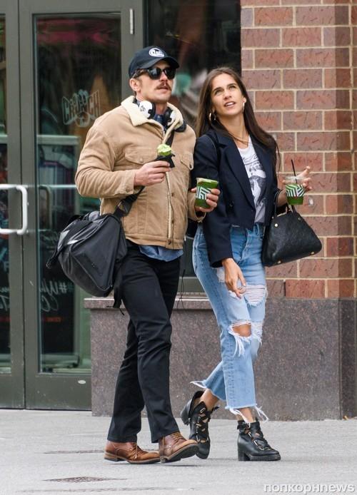 Джеймс Франко со своей девушкой Изабель Пакзад в Нью-Йорке