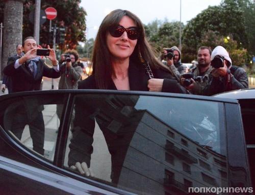 Моника Беллуччи прошлась по магазинам в Милане