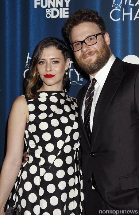 Сет Роген с женой