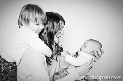 Женевьев Падалеки наслаждается радостями материнства