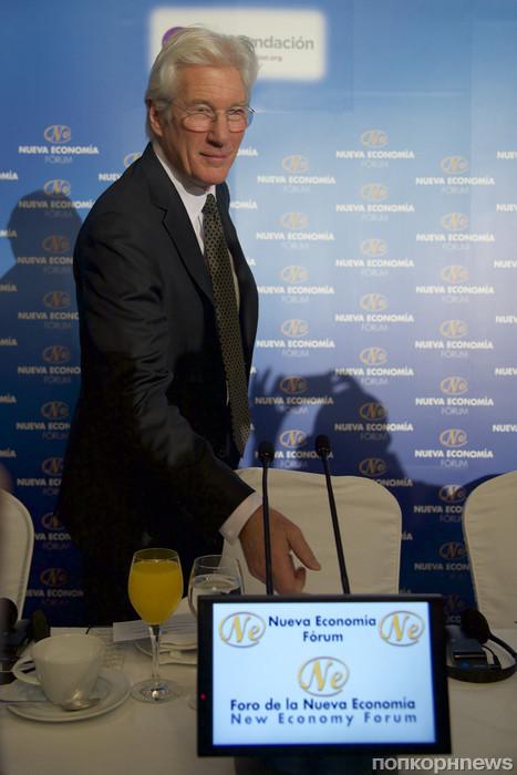 Ричард Гир выступил на экономическом форуме в Мадриде