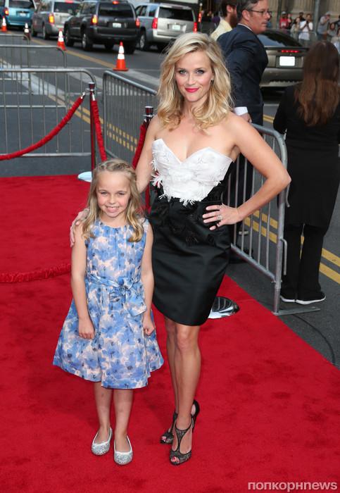 Риз Уизерспун с племянницей
