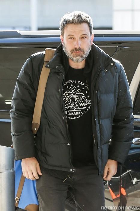 Бена Аффлека сфотографировали в аэропорту Нью-Йорка