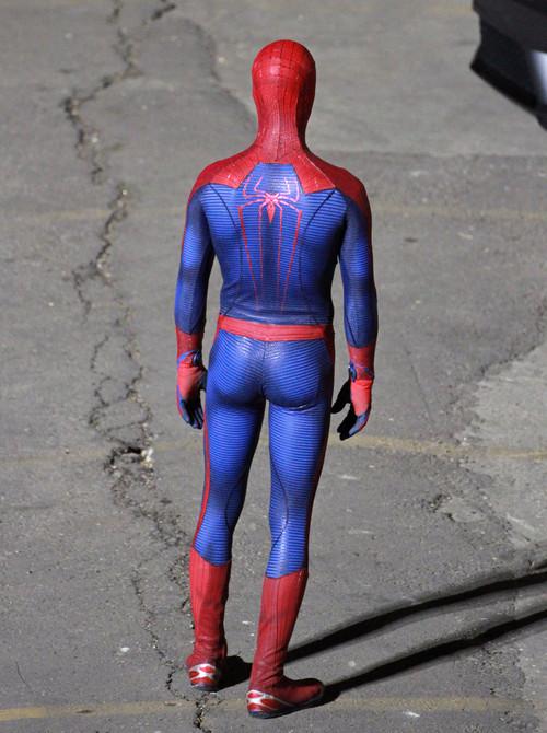 голый человек паук фото