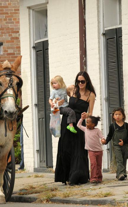 Анджелина Джоли и дети
