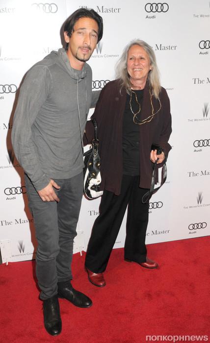 Эдриан Броуди с мамой