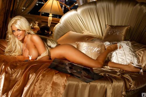 pleyboy-foto-blondinki