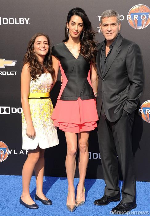 Амаль Аламуддни с племянницей и Джордж Клуни