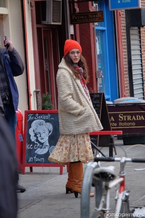 Кира Найтли на съемках фильма «Побочная красота»