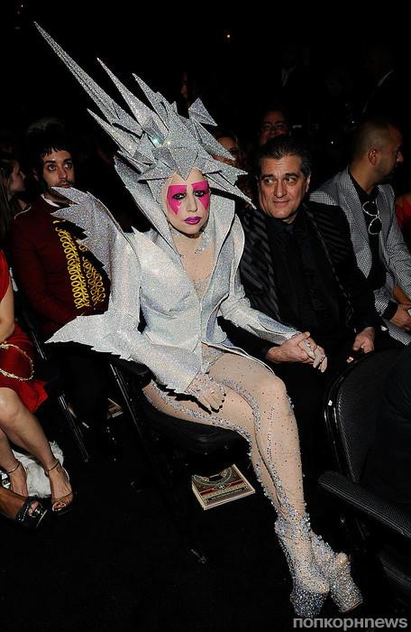 Леди Гага, 2010