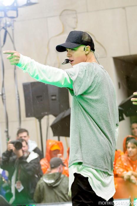 Джастин Бибер выступает на Today Show  в Нью-Йорке