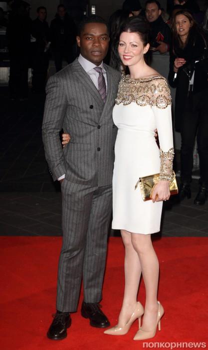 Дэвид Ойелоуо с женой