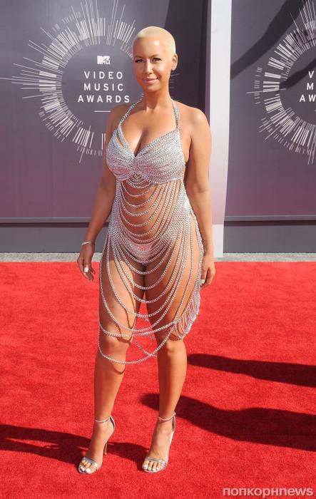 Эмбер Роуз повторила выход Роуз МакГоуэн - тоже на MTV VMA