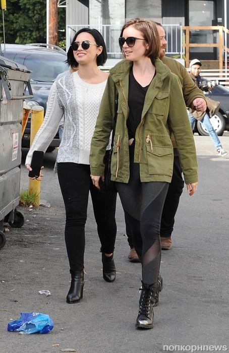Деми Ловато и Лили Коллинз направляются на ланч