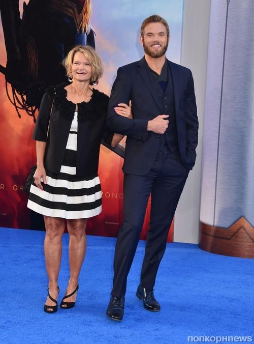Келлан Латс с мамой