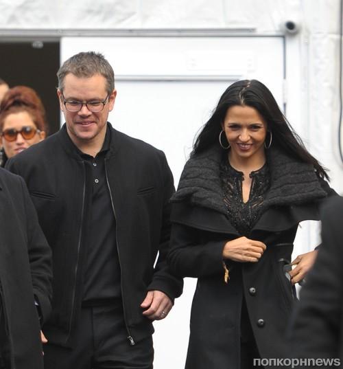 Мэтт Дэймон с женой после модного показа