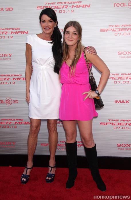 Дженис Дикенсон с дочерью