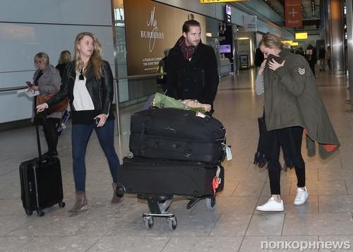 Марго Робби прилетела со своим бойфрендом в Лондон