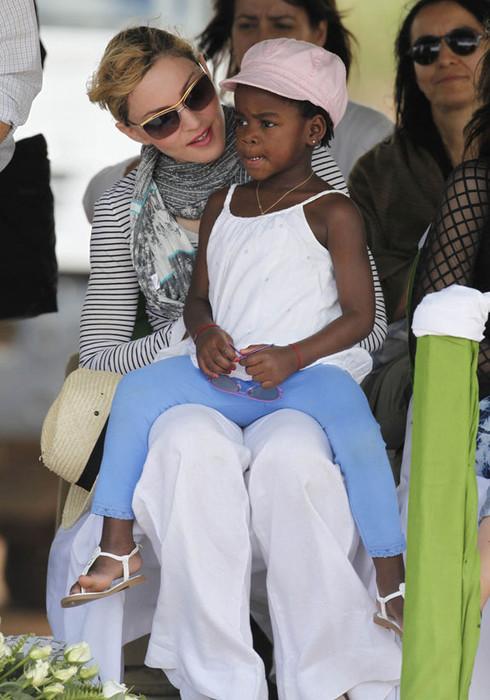 Мадонна и Мерси