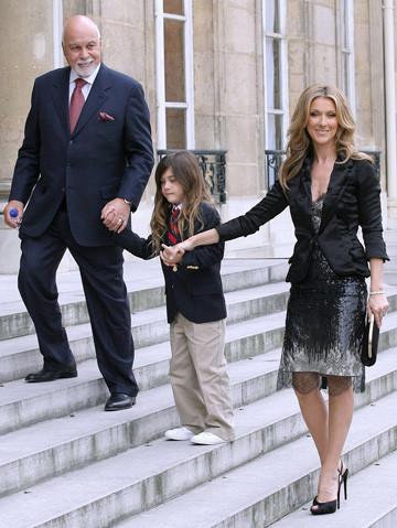 Селин Дион с сыном и мужем