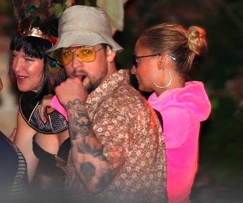 Николь Ричи в образе ДжейЛо на вечеринке Кейт Хадсон