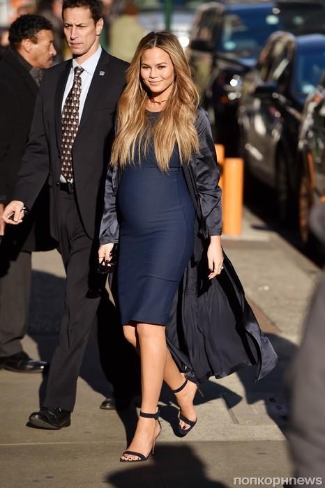 Беременная Крисси Тейген прибыла на шоу Good Morning America