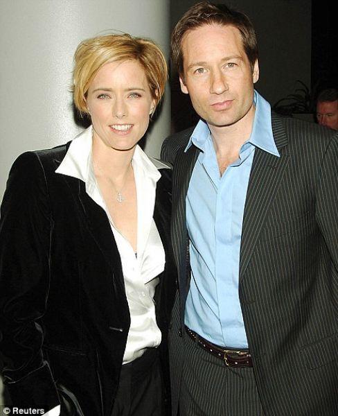 Дэвид Духовны с женой