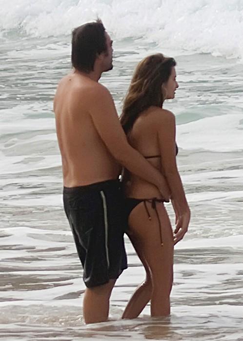 девушки на пляже в бразилии фото