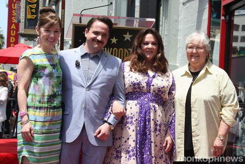 Мелисса МакКарти с семьей
