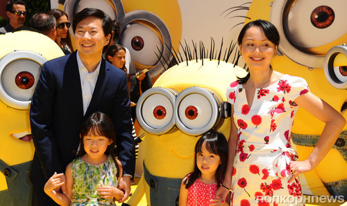 Кен Жонг с семьей