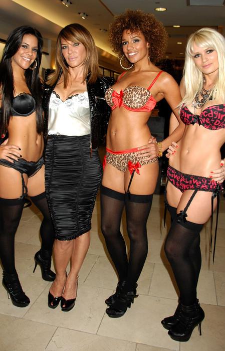 модели Pussycat Dolls и Робин Антин