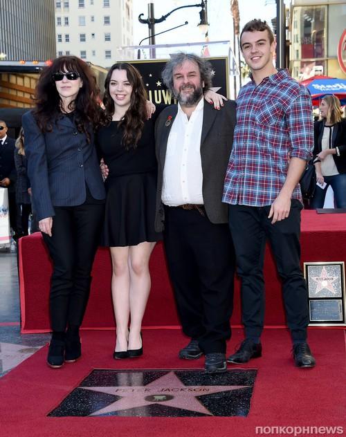 Питер Джексон с семьей
