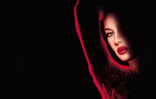 Моника Беллучи в рекламе Rouge