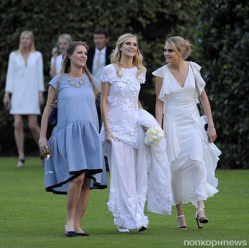 Поппи Делевинь с сестрами