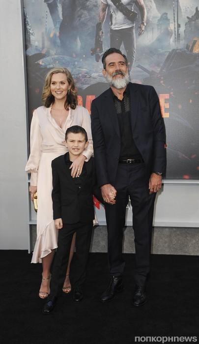 Джеффри Дин Морган с семьей