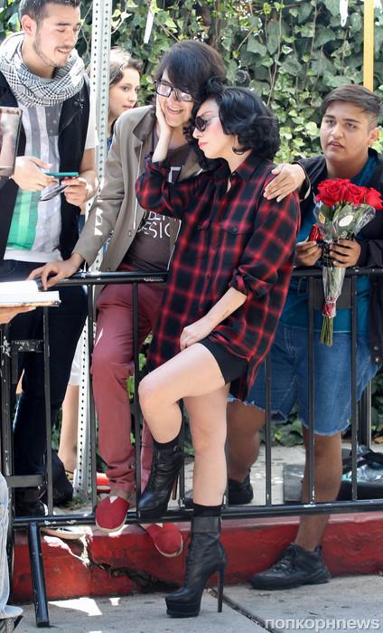 Lady GaGa в новом образе пообщалась с фанатами