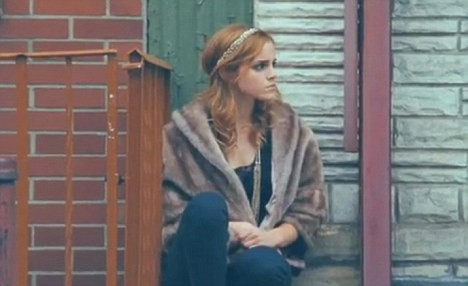 Эмма Уотсон в клипе Say You Don't Want It
