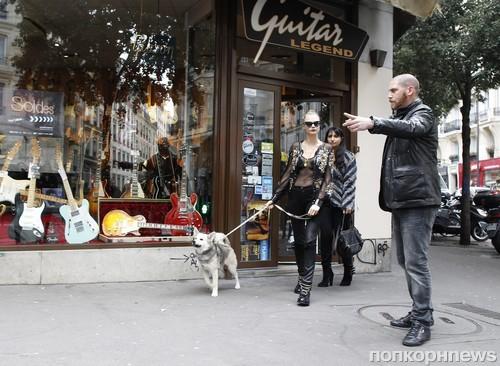 Кара Делевинь замечена в Париже