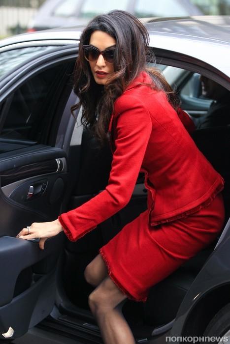 Амаль Клуни торопится по делам