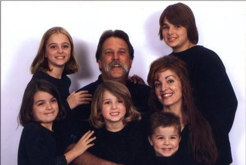 семья Дарнелли