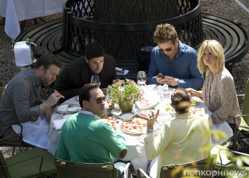 Джейсон Биггс, Крис Клейн с женой и Мина Сувари со своим стилистом Дэвидом Стэнвелом