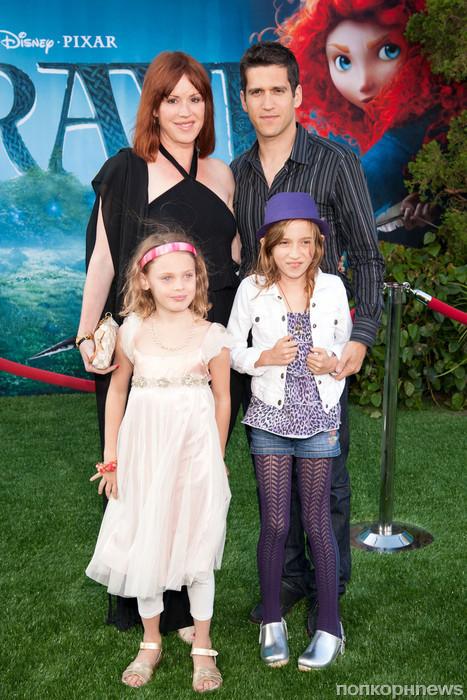 Молли Рингвальд с семьей