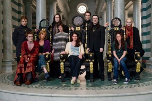 Стефани Майер с актерами саги