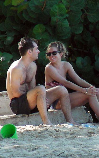 Сиенна Миллер и Джуд Лоу вместе на Барбадосе