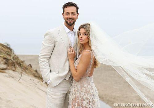 Звезда «Сумерек» Эшли Грин проводит медовый месяц на нудистском пляже