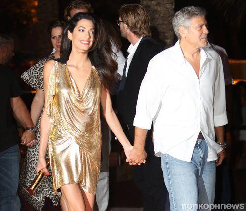 Амаль и Джордж Клуни веселятся на Ибице